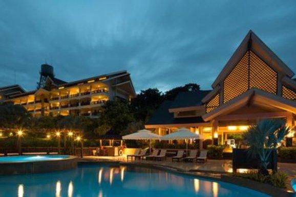 Thiết kế website khách sạn resort chuyên nghiệp uy tín
